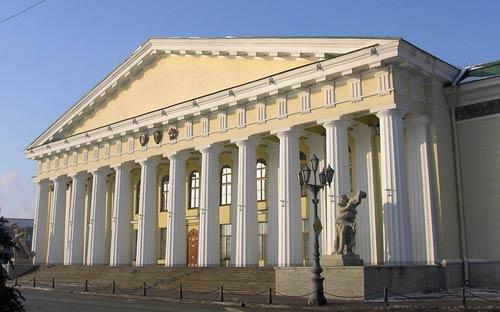 Здание Горного института, Петербург (1806-1808). Архитектор А. Воронихин