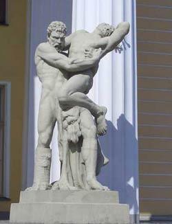 Здание Горного института, Петербург. Поединок Геракла с Антеем