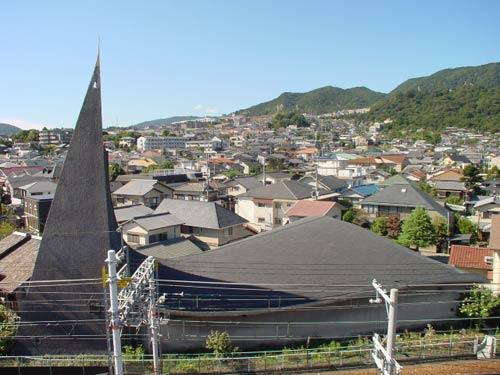 Католический храм в г. Такарацука, Япония. Архитекторы Мурано, Мори