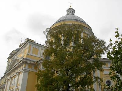 Троицкий собор (1778-1790 гг.) в Александро-Невской Лавре. Архитектор И.Е. Старов
