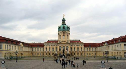Берлин, Пруссия. Георг Венцеслаус Кнобельсдорф. Шлютер Андреас. Дворец Шарлоттенбург (Charlottenburg, 1696—1745).